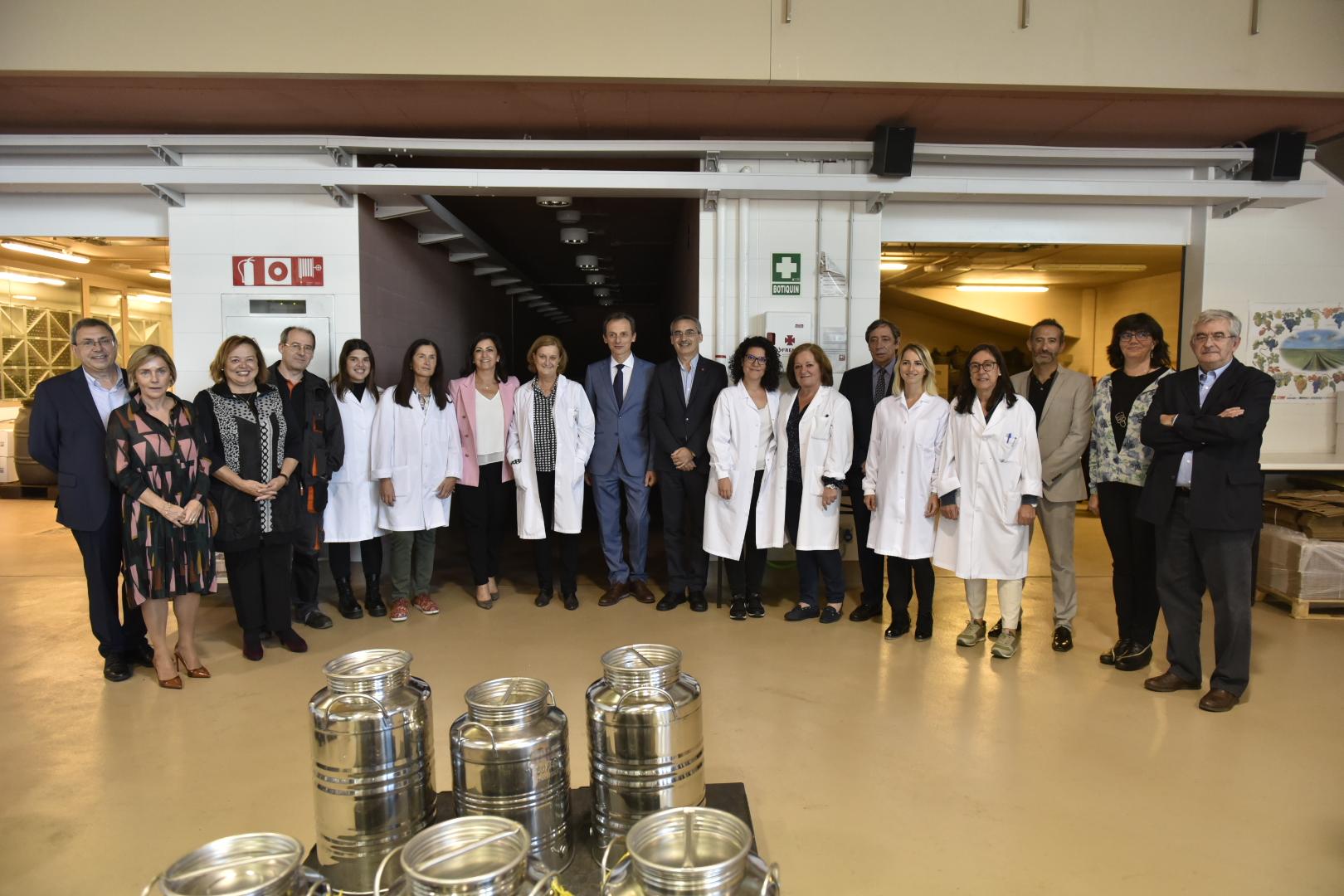 imagen de El ministro en funciones de Ciencia, Pedro Duque; la presidenta de La Rioja, Concha Andreu; el secretario general de Coordinación de Política Científica, Rafael Rodrigo; y la presidenta del CSIC, Rosa Menéndez; entre otras autoridades. / Universidad de La Rioja