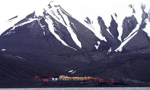 imagen de La Base Antártica Española Gabriel de Castilla, en la isla Decepción, en la Antártida./ Valentín Carrera