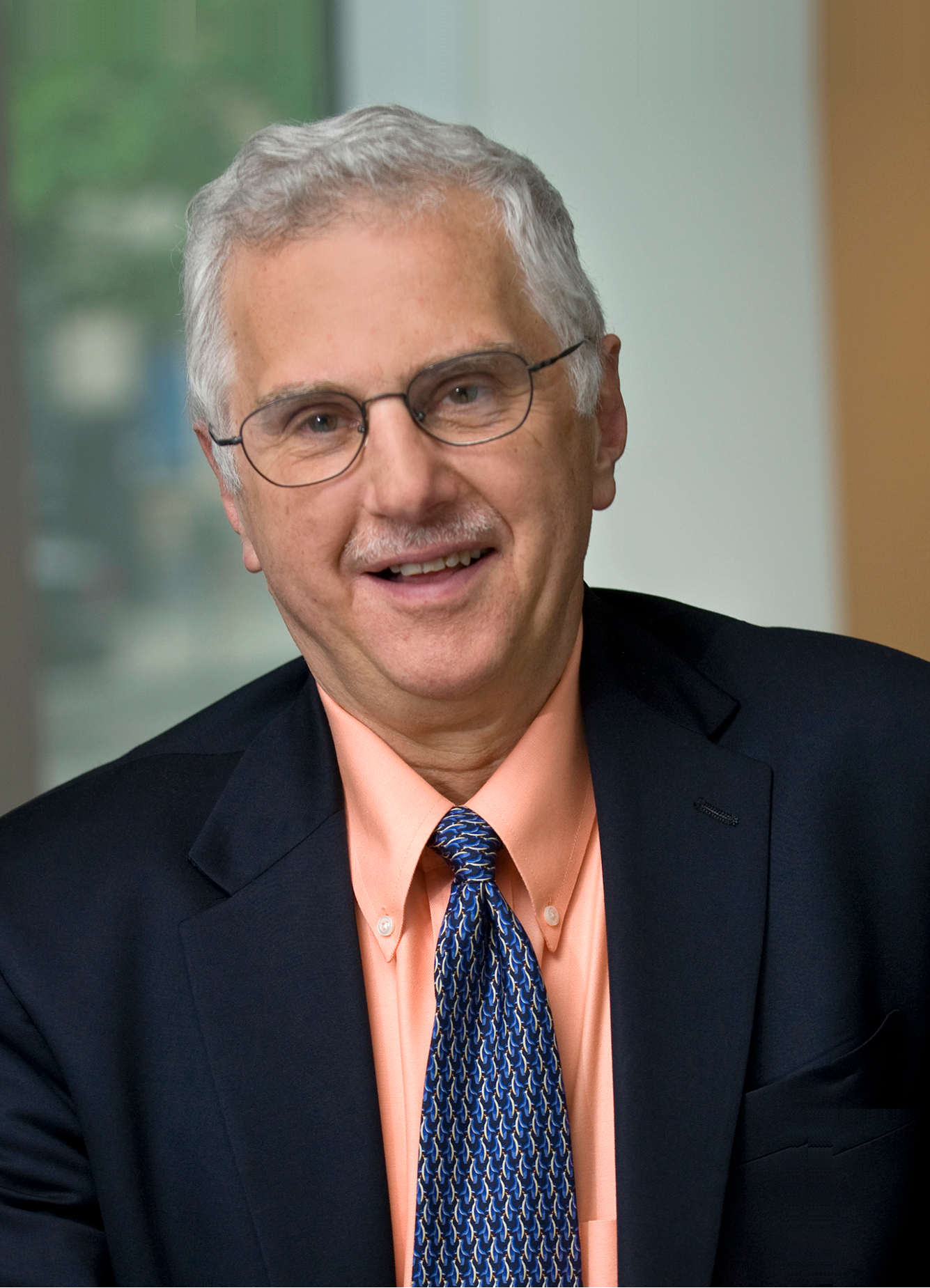 imagen de El bioquímico estadounidense Bruce Alberts.