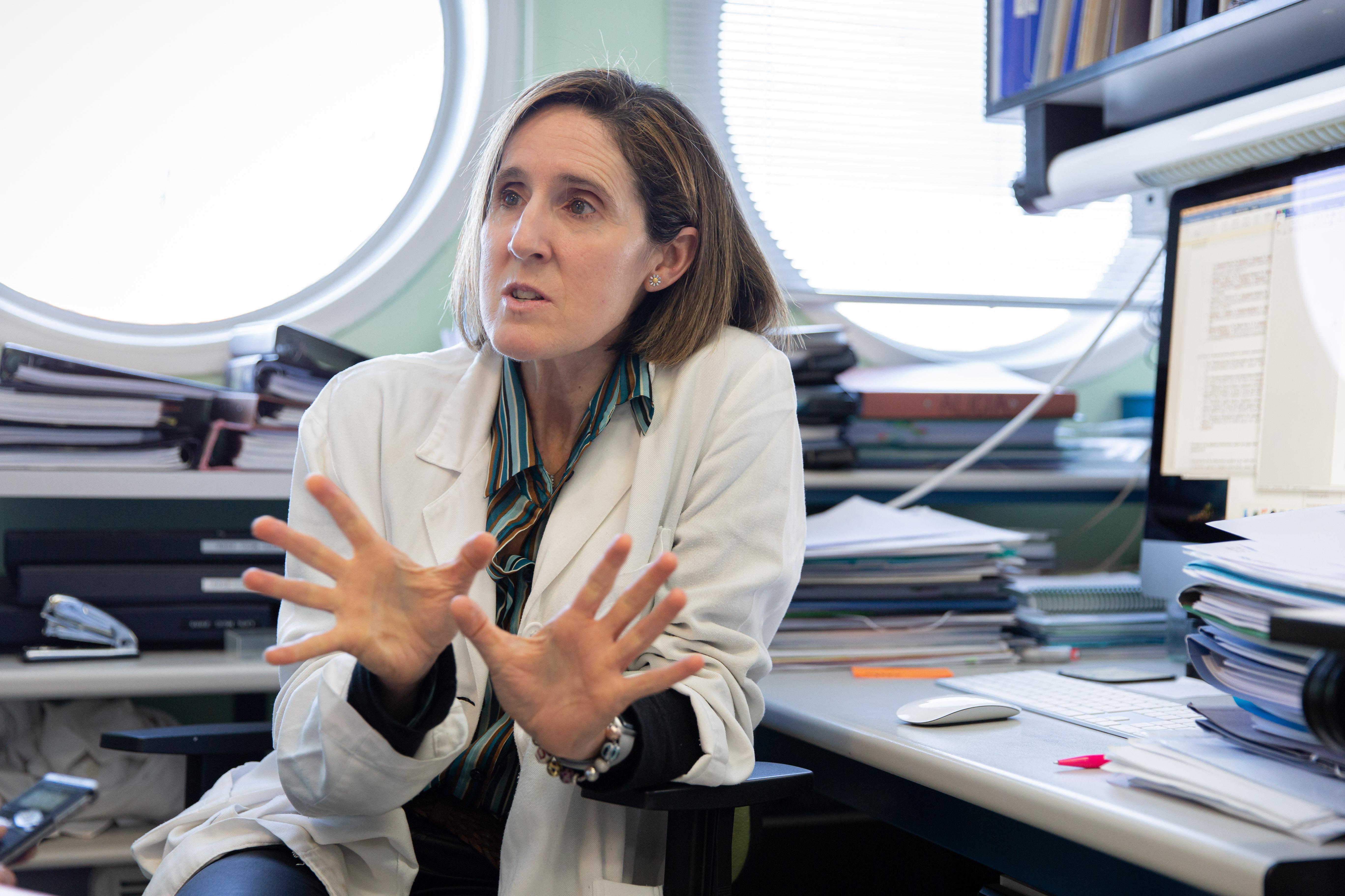 imagen de La viróloga Isabel Sola, del laboratorio de coronavirus del CNB-CSIC. / Agencia SINC