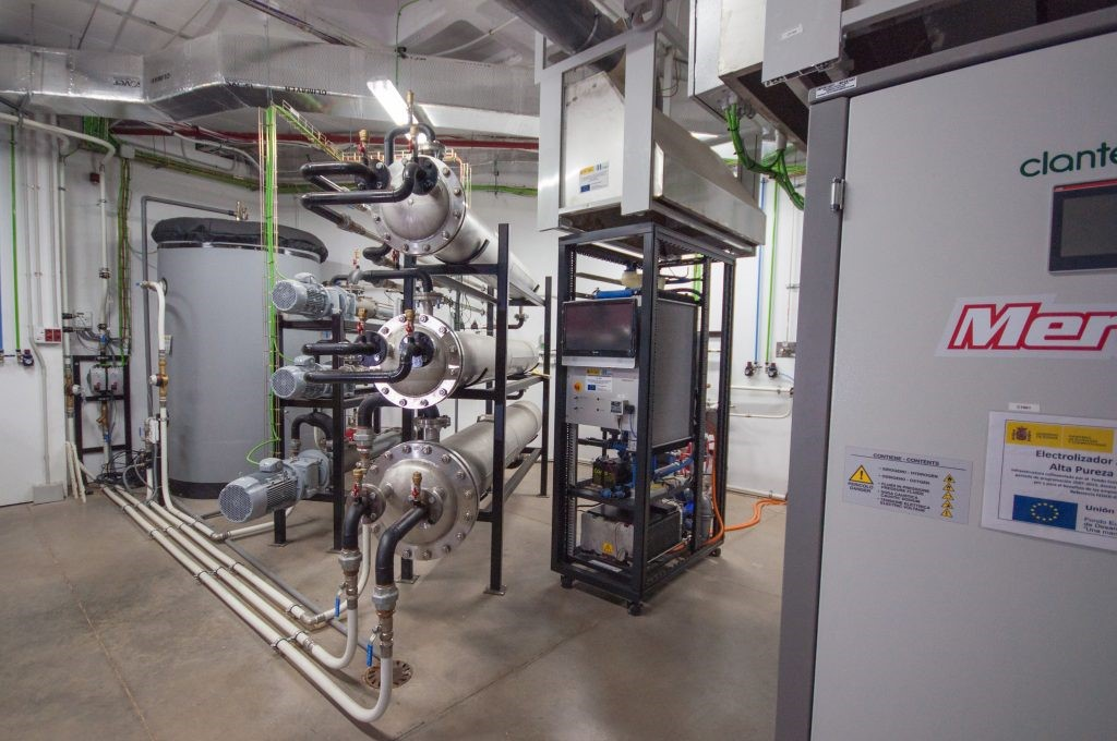 imagen de Planta para gas natural en las instalaciones de CNH2 en Puertollano. / CNH2 / MACBETH