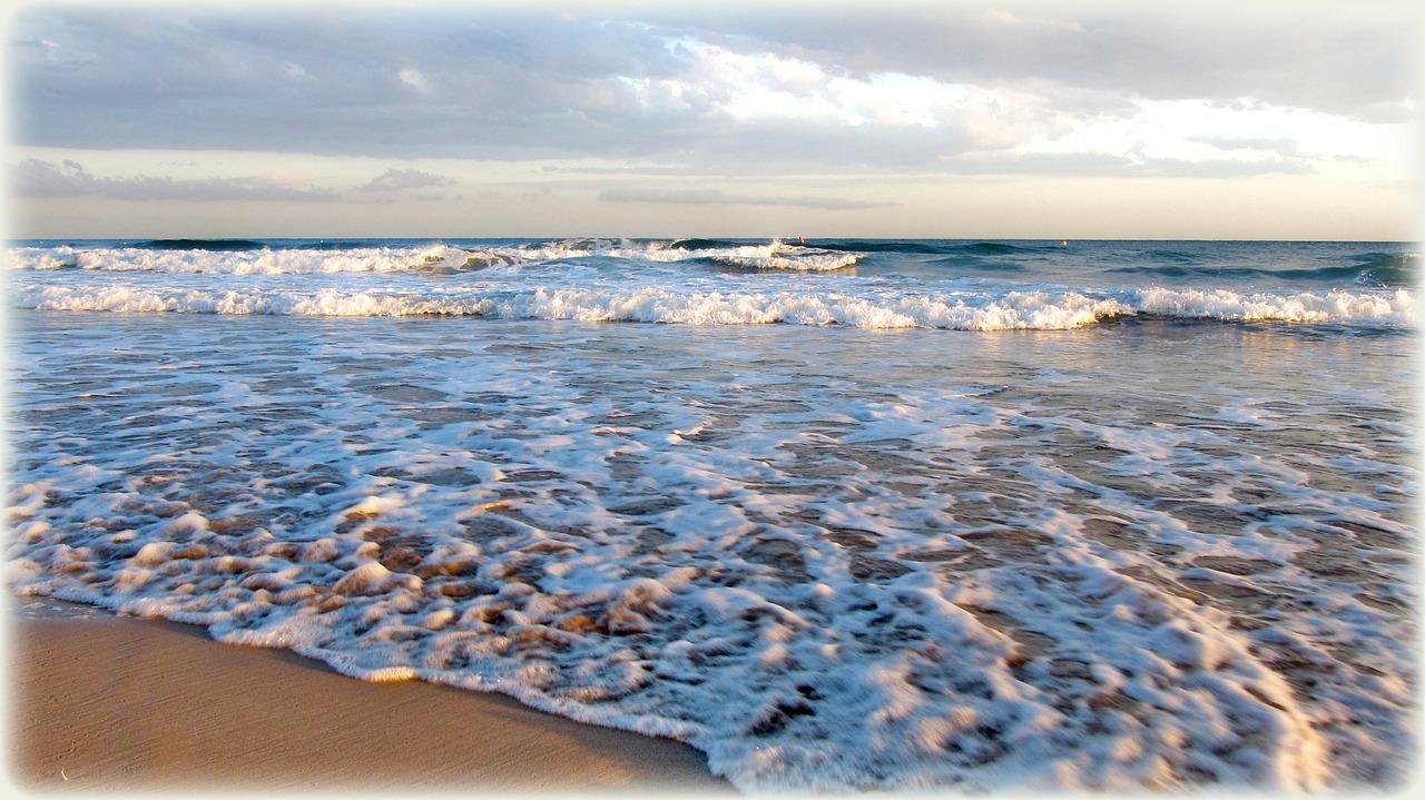 imagen de El trabajo recoge por primera vez una evolución temporal de la tasa de acidificación de las aguas del Atlántico Norte y el Mediterráneo que se intercambian a través del canal./ PIXABAY