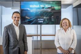 Adolfo Ramírez-Escudero, presidente de CBRE España, y Rosa Menéndez, presidenta del CSIC, ayer durante la presentación del acuerdo. / CBRE