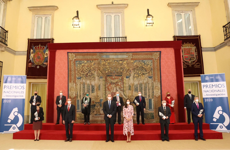 imagen de Sus Majestades los Reyes, acompañados por el ministro de Ciencia e Innovación, Pedro Duque, han entregado los Premios Nacionales de Investigación 2020 / Comunicación Casa Real