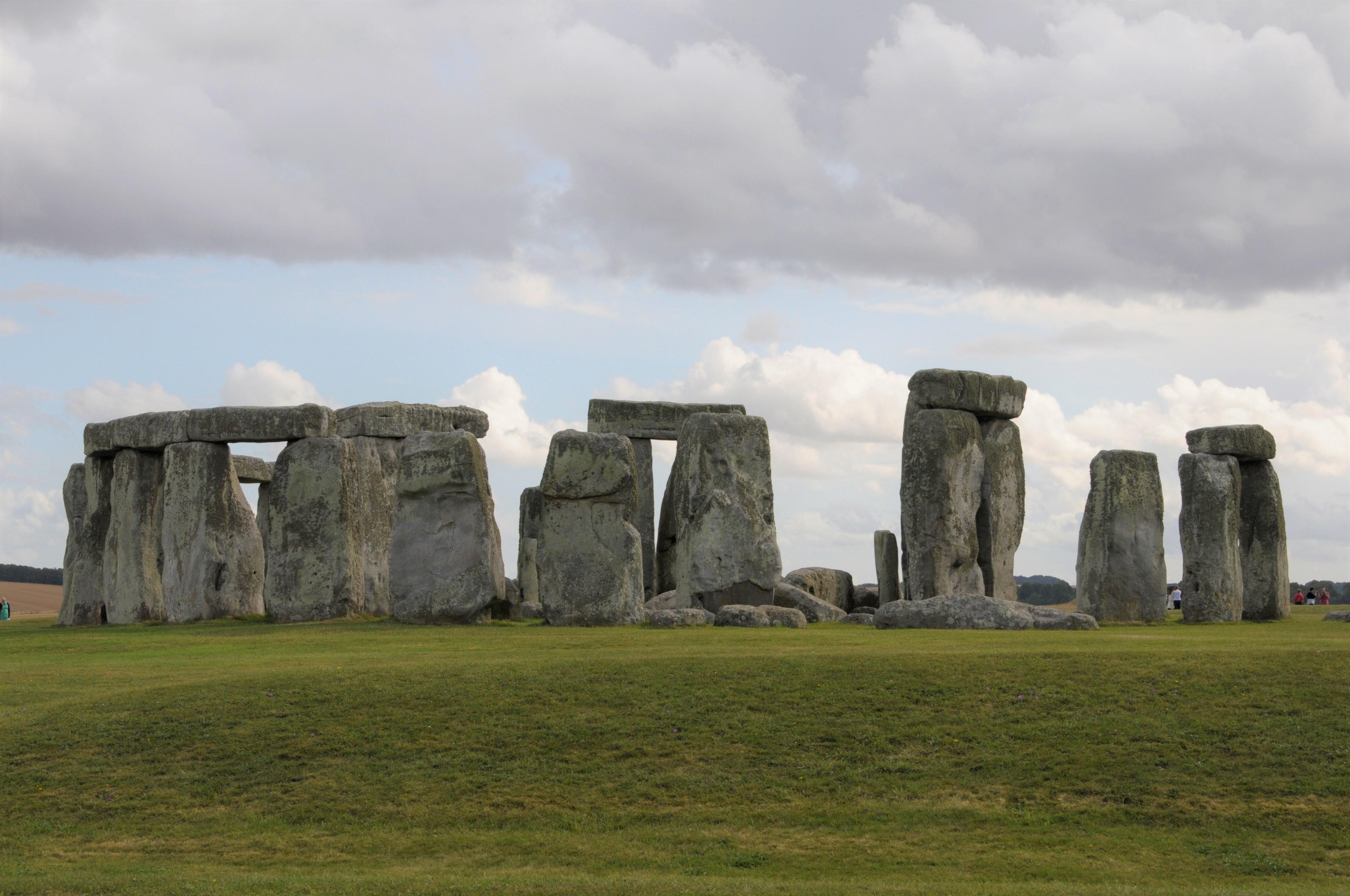 imagen de Monumento megalítico de Stonehenge, en Reino Unido. / Incipit